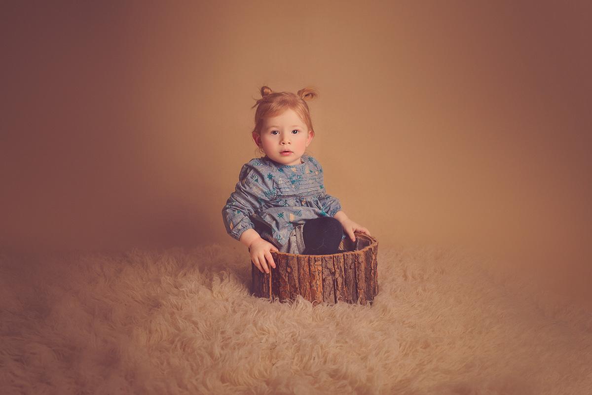 séance-enfant-petite-fille-famille-studio-photographe-59-tourcoing