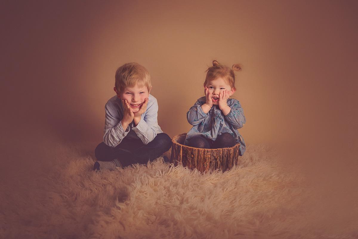 séance-enfants-frère-soeur-famille-studio-photographe-59-tourcoing-lille