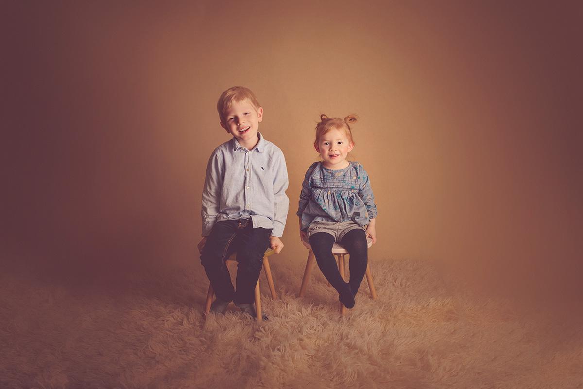 séance-enfants-amusante-famille-studio-photographe-59-tourcoing-lille-nord