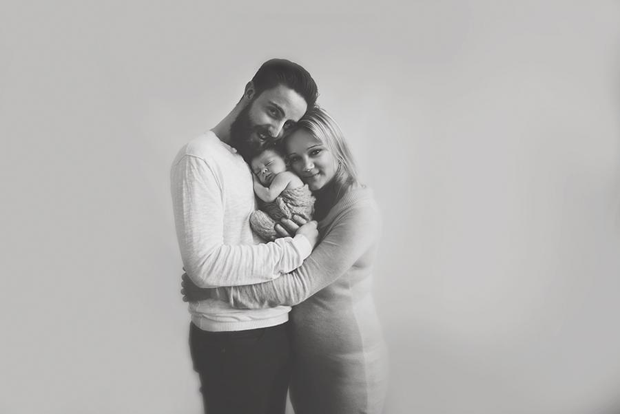 photographe naissance sur lille noir et blanc bébé