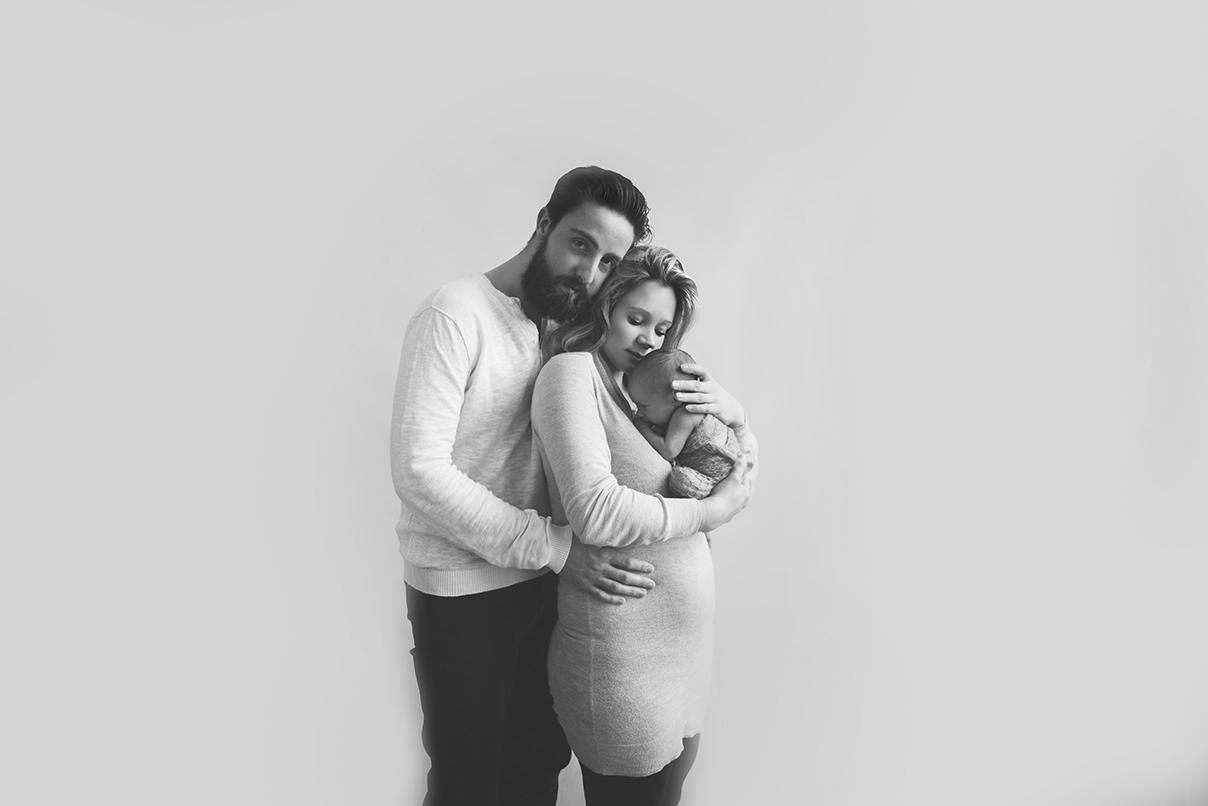 photographe nouveau né sur tourcoing photo noir et blanc bébé famille