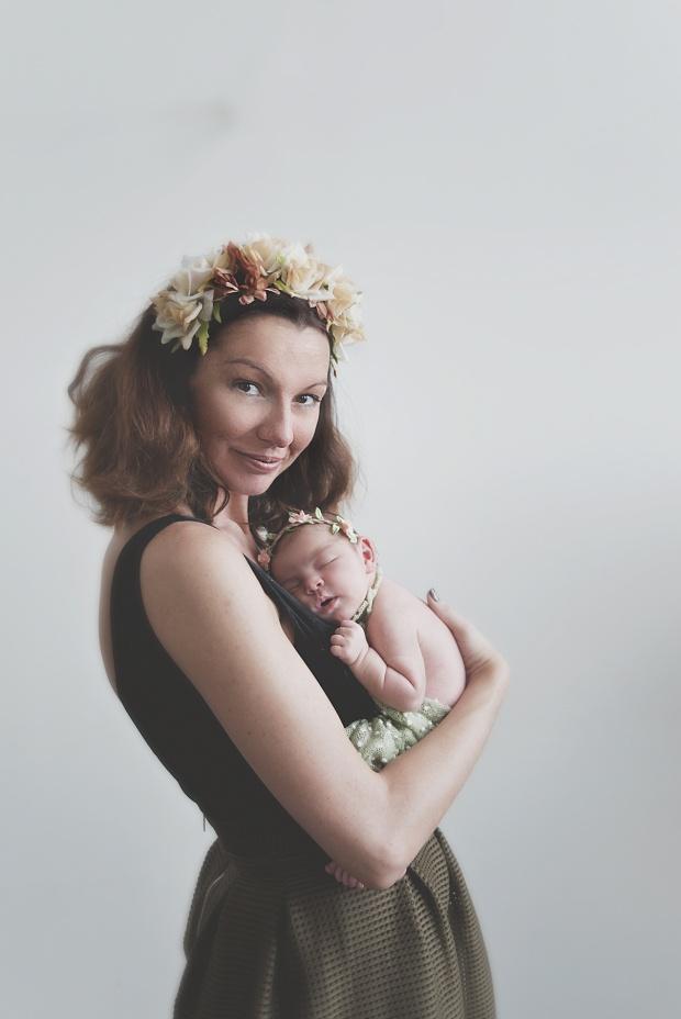séance-photo-nouveau-né-sur-lille-photographe-bébé-tourcoing