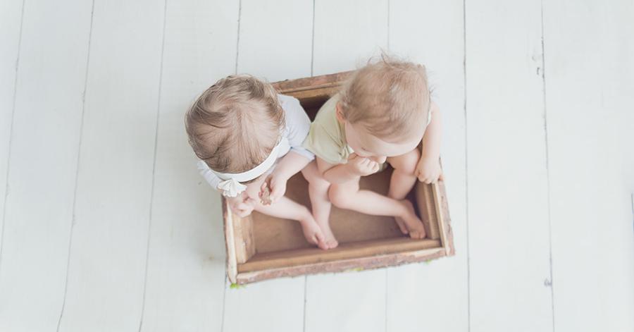 Séance photo jumeaux – à Lille (59) – Photographe du Nord