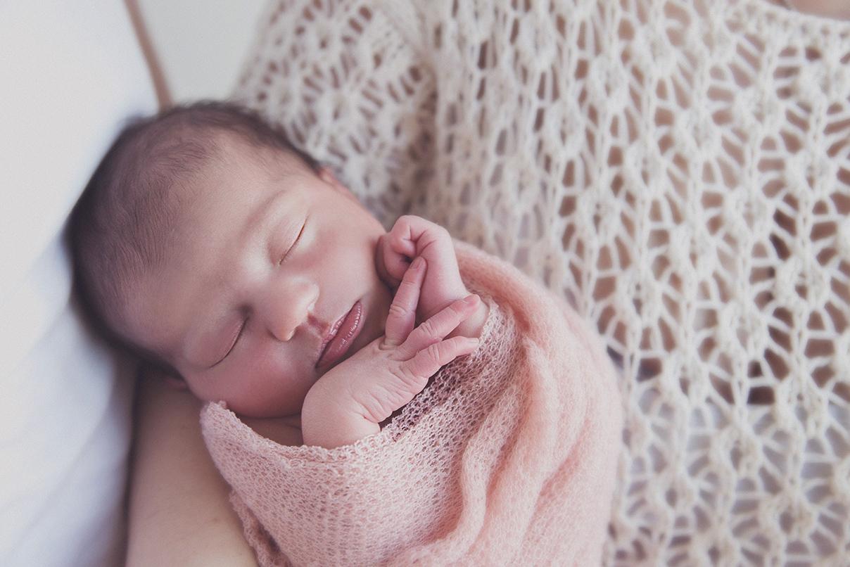 seance photo naissance bébé parents photographe maternité enfant famille lille tourcoing nord one moment photographie shooting - 8