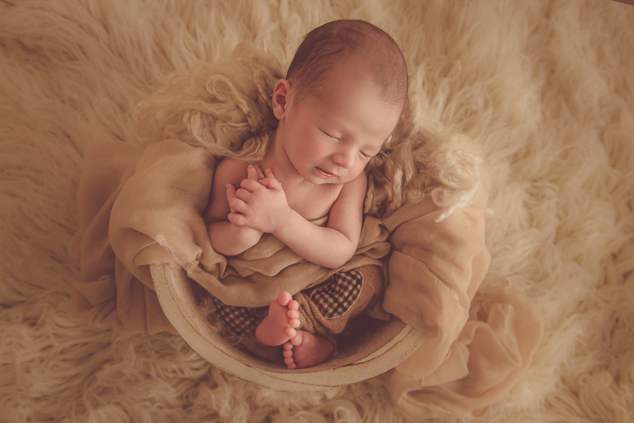photo de bébé à la naissance sur Lille photographe tourcoing