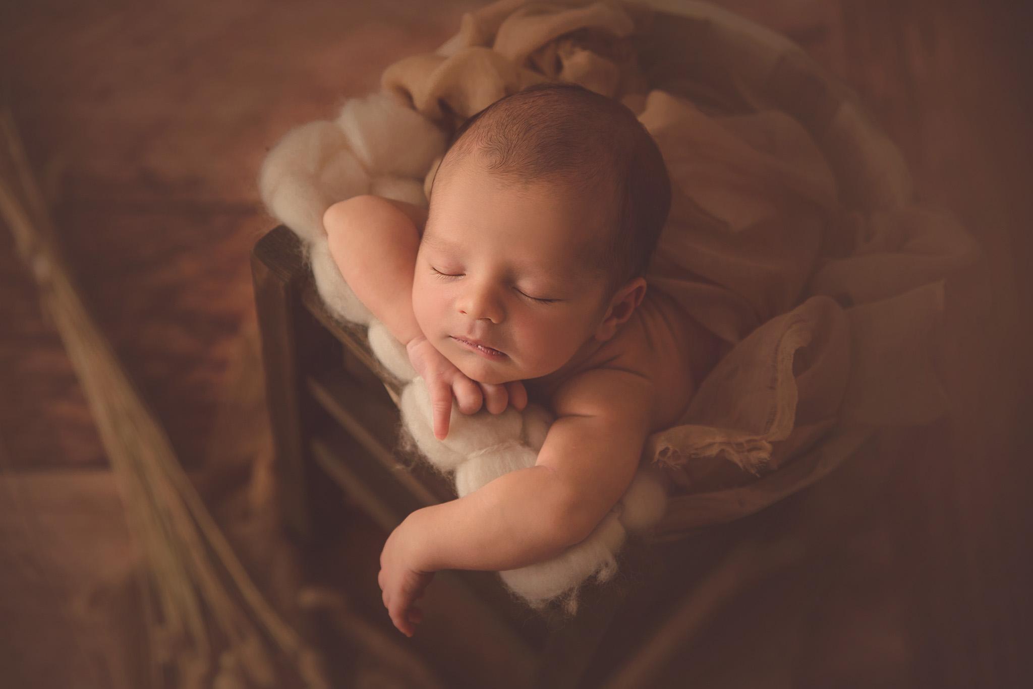 portrait bébé à la naissance sur Tourcoing roubaix Lille