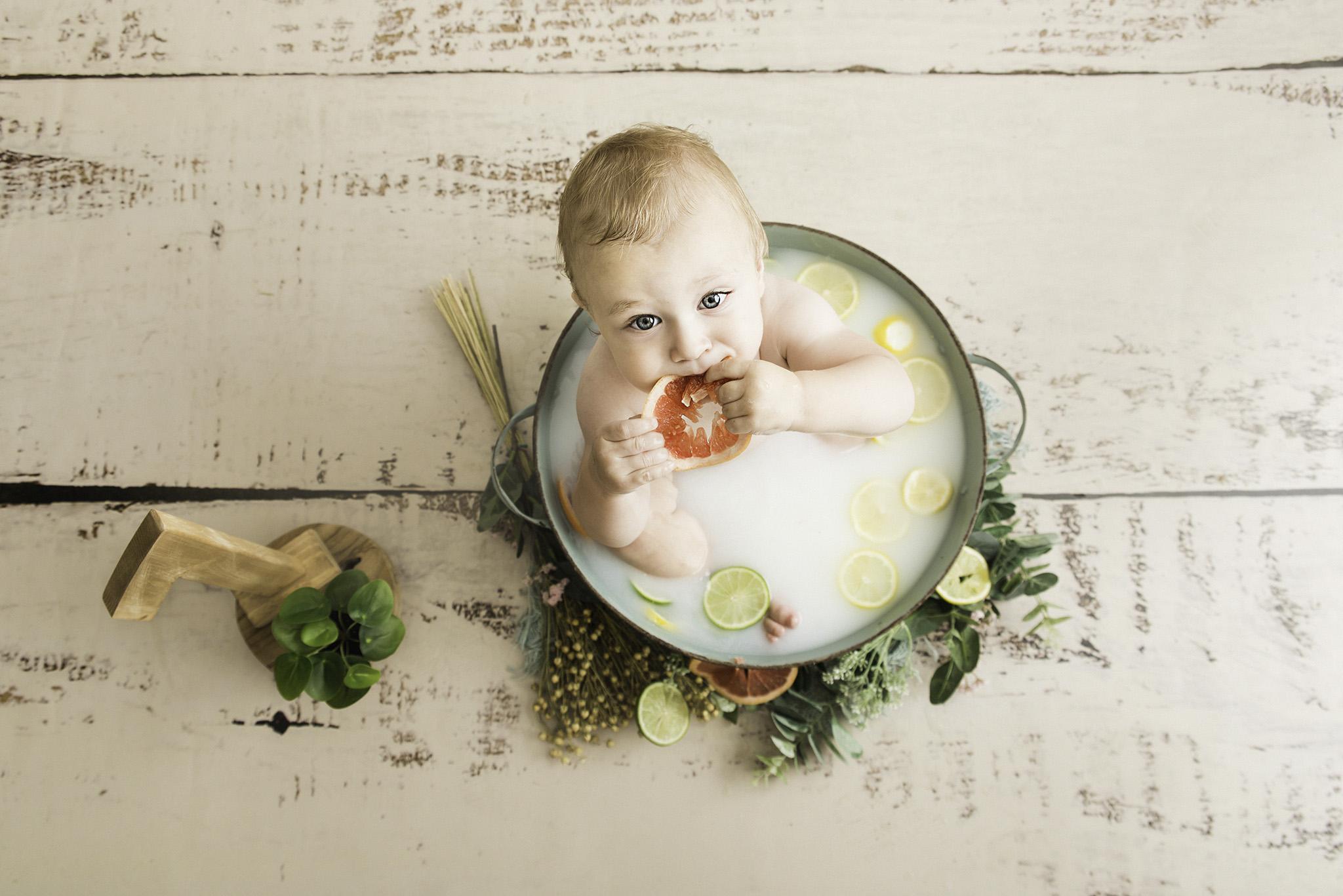 photographe bébé enfant en studio photo One Moment Photographie Lille