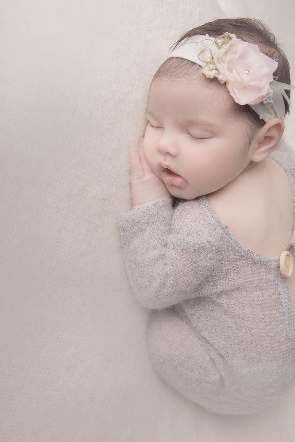 shooting photo bébé en studio sur tourcoing photographe nord one moment photographie 59