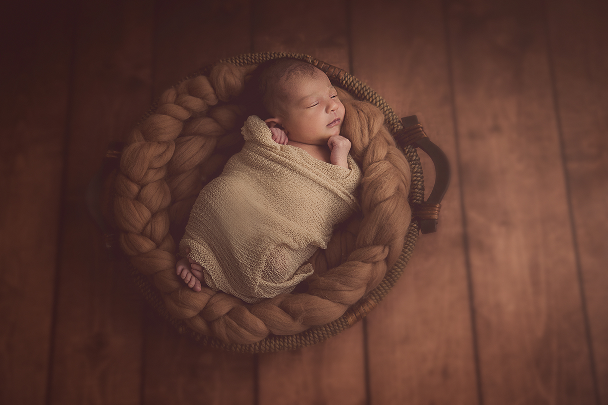 seance photo naissance bébé fille photographe maternité enfant lille tourcoing nord one moment photographie shooting newborn 59